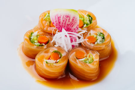 Salmon Kelp Roll